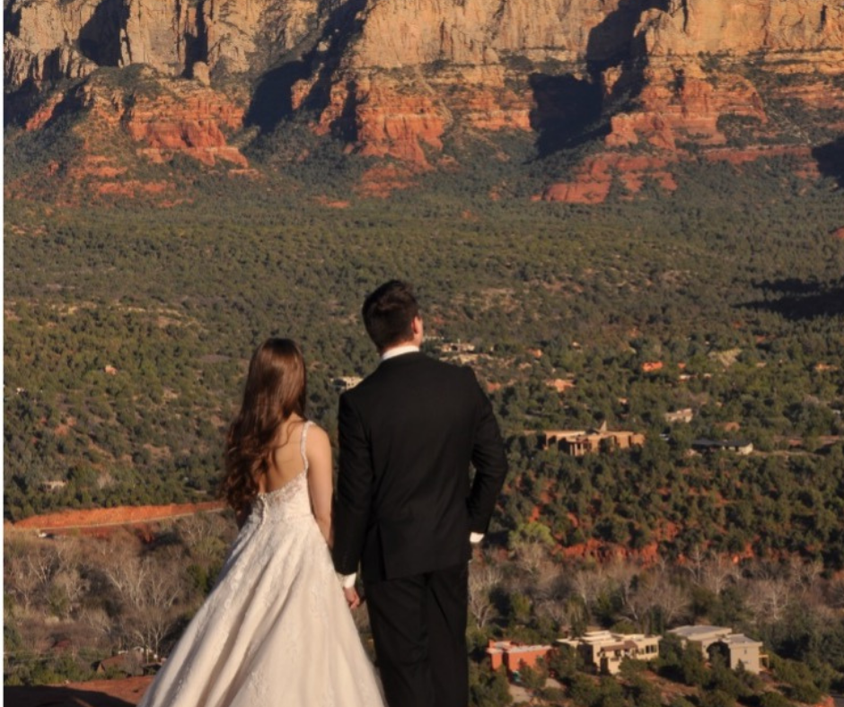 couple getting married in sedona